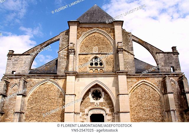 Outdoor view of the church Saint Jean-Baptiste of Chaource, Aube, Champagne-Ardenne, France