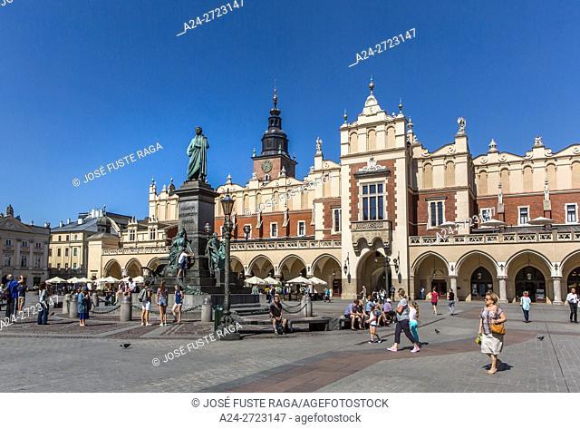 Poland, Krakow City, Market Square, Adam Mickiewicz Monument, Town Hall Tower (Wieza Ratuszowa)