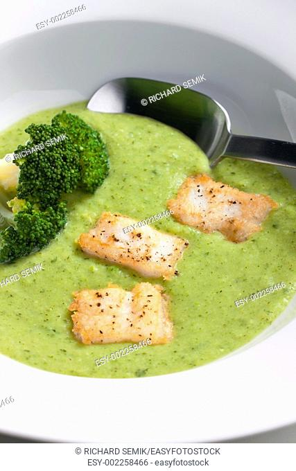 broccoli soup with mackerel