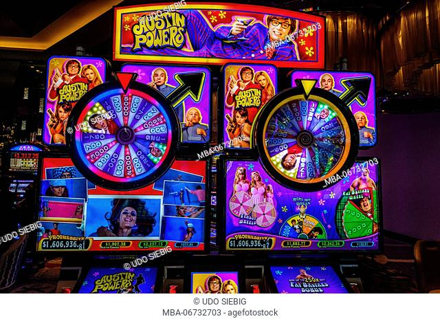 The USA, Nevada, Clark County, Las Vegas, Las Vegas Boulevard, The Strip, gaming machine