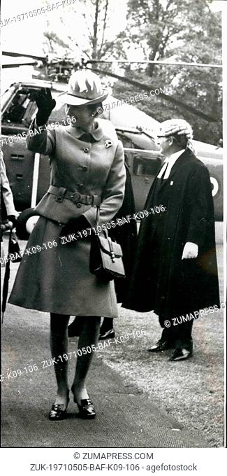 May 05, 1971 - Princess Anne Wears Eye-Catching Hat: Acknowledging welcoming cheers, Princess Anne, wearing eye-catching cerise and white hat