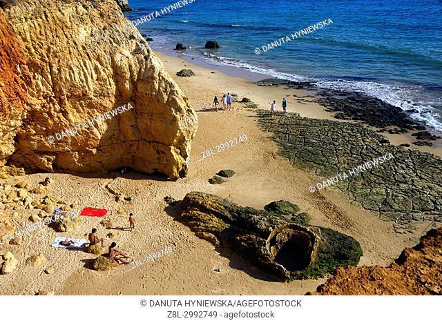 Praia do Vau, coast of Atlantic Ocean in Portimão, Faro district, Algarve, Southern Portugal, Portugal, Europe