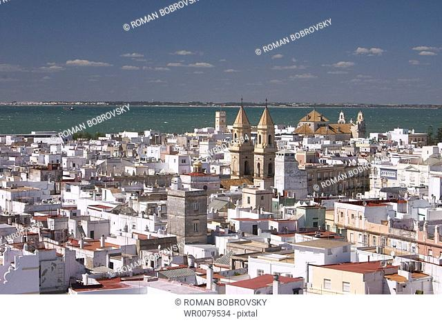 View from Torre Tavira to the old town of Cdiz