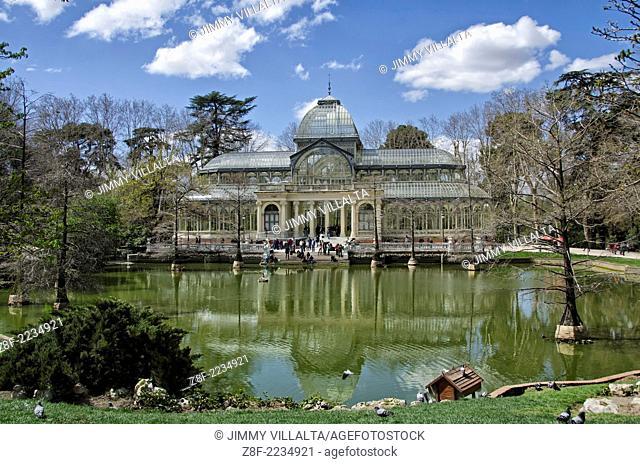 Palacio de Cristal. Crystal Palace. Parque El Retiro. Madrid, Spain
