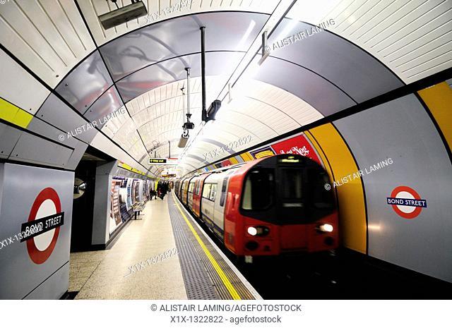 Bond Street Underground Tube Station Jubilee Line Platform, London, England, UK