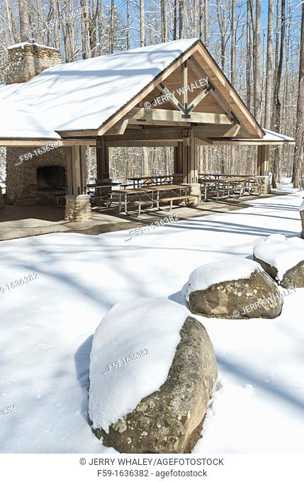 Greenbrier, Picnic shelter, Snow, Great Smoky Mtns National Park