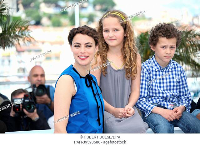 (L-R) French actress Berenice Bejo, actress Jeanne Jestin and actor Elyes Aguis pose during the photocall for 'Le Passe' (The Past) at the 66th annual Cannes...