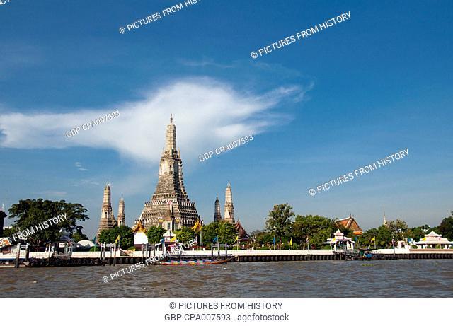 Thailand: Wat Arun (Temple of Dawn) from the Chao Phraya River, Bangkok