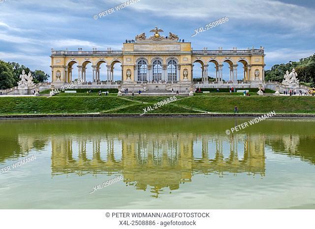 Gloriette in Schoenbrunner Park, Schoenbrunn Palace Park, Vienna, Austria, Europe
