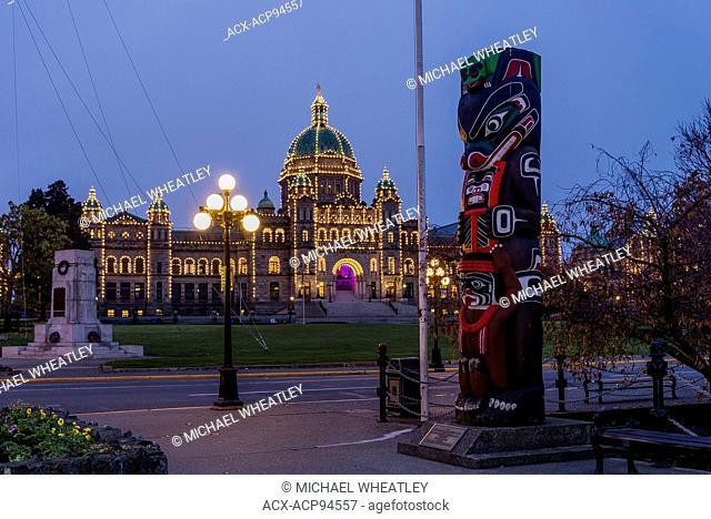 The British Columbia Legislature at night, Victoria, Vancouver Island, British Columbia, Canada