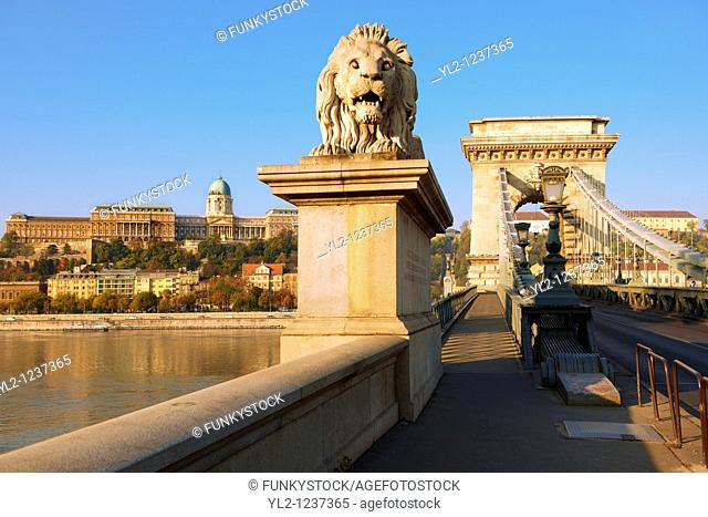 Szecheni Lanchid  Chain Bridge   Suspension bridge over the Danube betwen Buda & Pest  Budapest Hungary