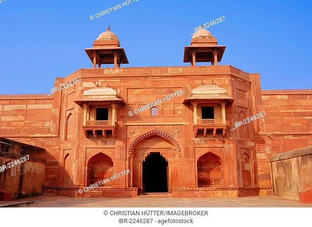 Entrance to the Palace of Jodh Bai, Fatehpur Sikri, UNESCO World Heritage Site, built 1569-1585 at the order of emperor Akbar, Uttar Pradesh, India, Asia
