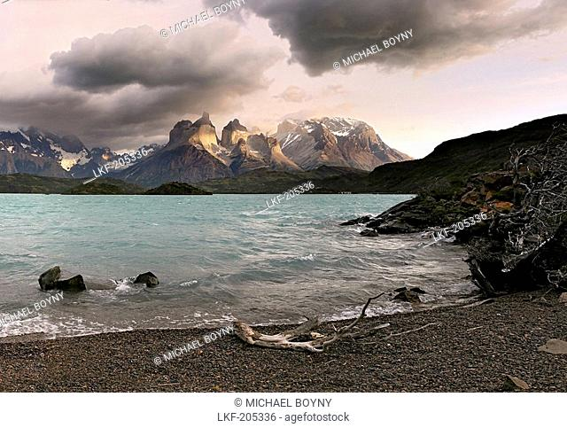Lake Pahoe in front of Torres del Paine, Torres del Paine National Park, Patagonia, Chile, South America
