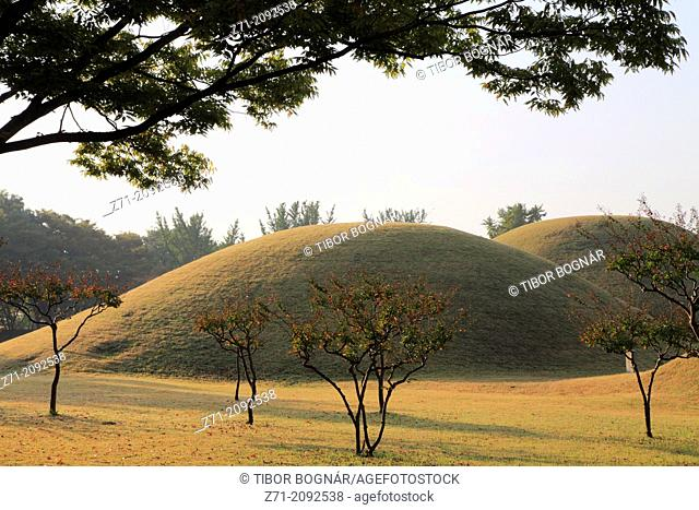 South Korea, Gyeongju, Tumuli Park, Royal Tombs,