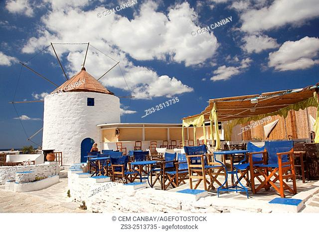 Windmill on the hill near the town center, Chora, Koufonissi, Cyclades Islands, Greek Islands, Greece, Europe