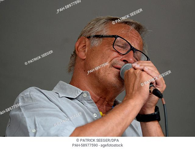 Wecker Stock Photos And Images Age Fotostock