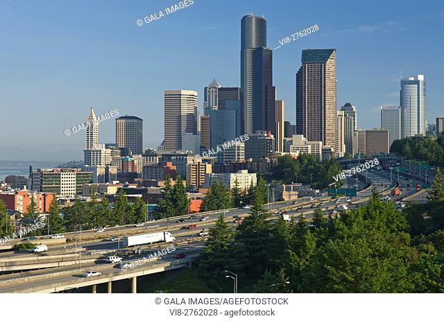 DOWNTOWN SKYLINE SEATTLE FROM BEACON HILL WASHINGTON STATE USA