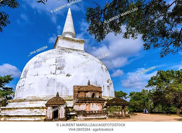 Kiri Vihara Dagoba, Alahana Pirivena Monastery Complex built by the King Parakramabahu the Great 1153-1186 A. D, Ancient City of Polonnaruwa