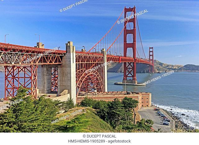 United States, California, San Francisco, Golden Gate National Recreation Area, Presidio of San Francisco, the Golden Gate Bridge and Fort Point