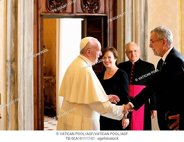 Pope Francis, President of Austria Alexander Van der Bellen and First Lady during the private audience, Vatican City, ITALY-16-11-2017   Journalistic use only
