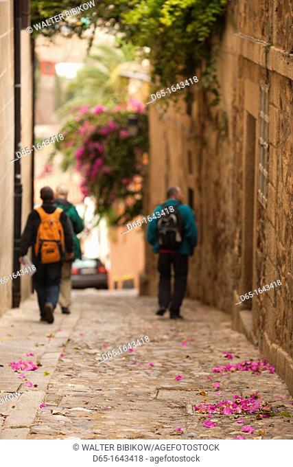 Spain, Extremadura Region, Caceres Province, Caceres, Ciudad Monumental, Old Town, visitors