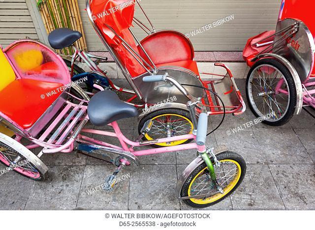 Vietnam, Hanoi, cyclo taxi