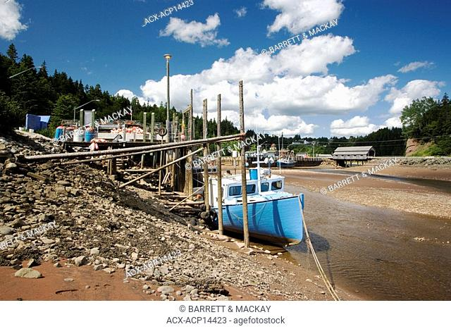 Low Tide, St. Martins, Bay of Fundy, New Brunswick, Canada, wharf, fishing boat, Covered Bridge