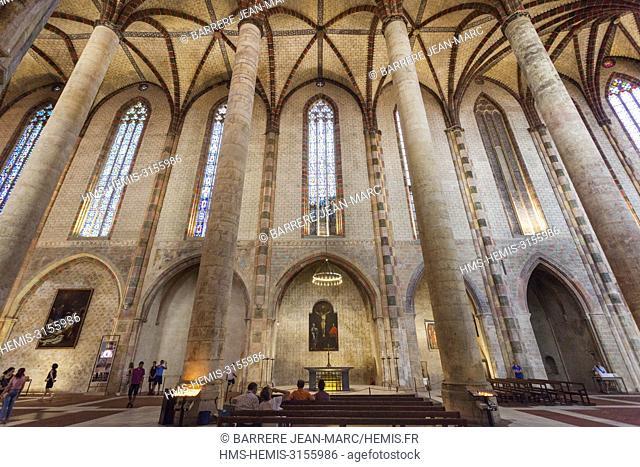 France, Haute Garonne, Toulouse, Nave of Jacobins Church