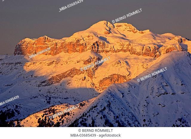 Italy, province of Belluno, the Dolomites, Passo di Giau, Giaupass, Piz Boe