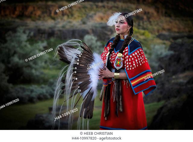 USA, Idaho, Willow Brahamson, Shoshoe woman, MR 0562