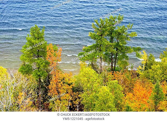 Green Bay,Wisconsin and autumn coastline