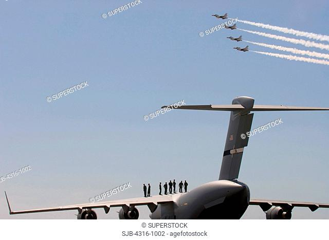 Watching The US Air Force Thunderbirds from the Wing of a C-17 Globemaster