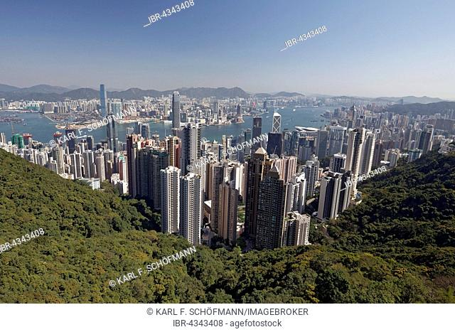 Skyscraper, skyscrapers in Central district, Victoria Harbour and Kowloon, view from The Peak, Victoria Peak, Hong Kong Island, Hong Kong, China