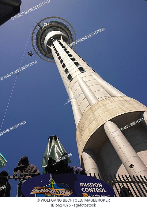 Bungee-jumping from the Sky Tower, Auckland, North Island, New Zealand, Oceania