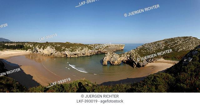 Playa de Cuevas del Mar, beach, rock formation, caves, rock arch, coast, Atlantic ocean, near Ribadesella, Camino de la Costa, Kuestenweg, Camino del Norte