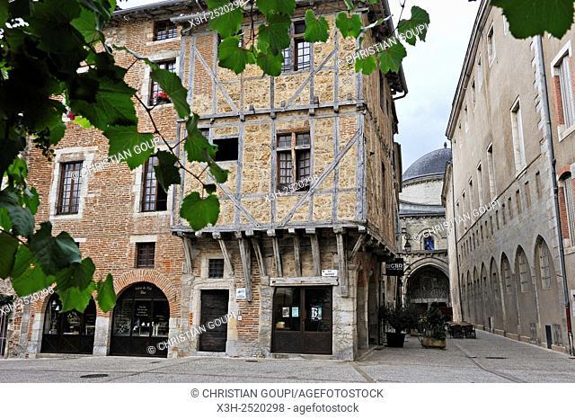 Medieval house in Daurade street, Cahors, Lot department, region of Midi-Pyrenees, southwest of France, Europe