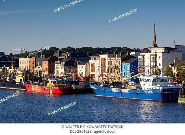 Ireland, County Wexford, Wexford Town, boats on the River Slaney, dawn