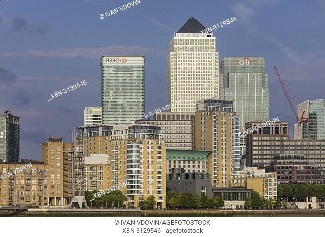 Canary wharf, Thames riverbank, London, England, UK