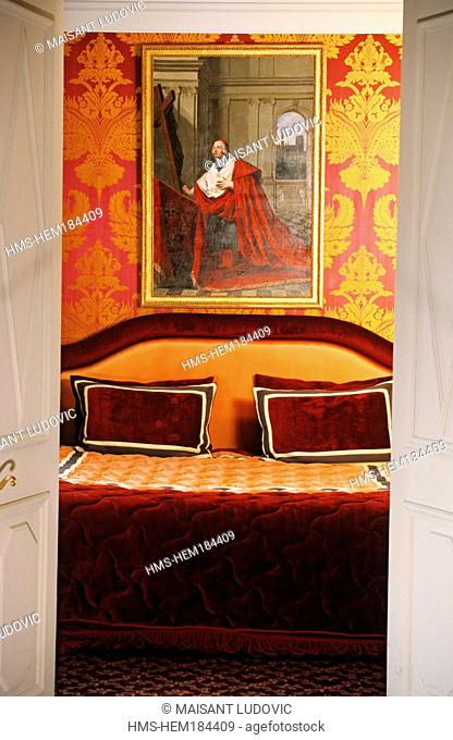 France, Paris, the hotel 13 rue des Beaux Arts, room 62