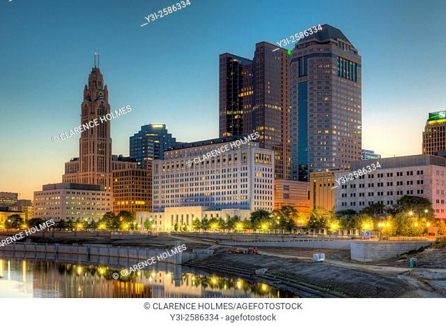 The sky lightens over the skyline during morning twilight in Columbus, Ohio