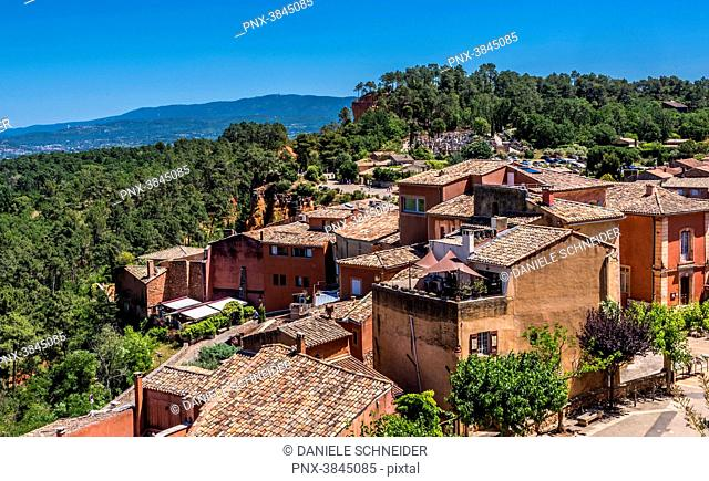 France, Vaucluse, general view of the village of Roussillon (Plus Beaux Villages de France - Most Beautiful Villages of France)