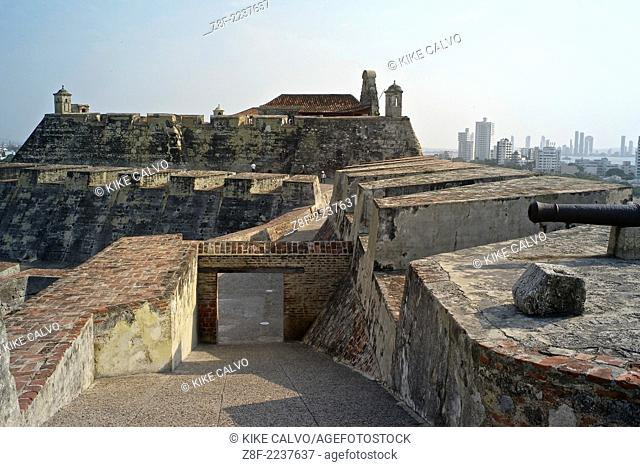 """The historic Spanish Fortress """"""""Castillo de San Felipe De Barajas,"""""""" majestically stands guard on a hillside overlooking the city and harbor"""