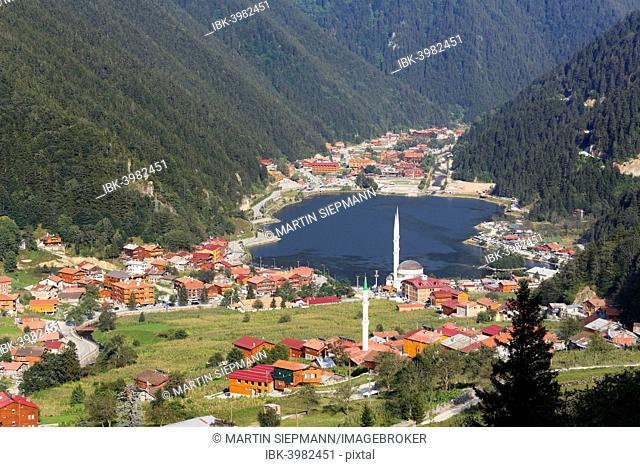 Lake Uzungöl, village of Uzungöl, Trabzon Province, Pontic Mountains or Kaçkar Daglari, Black Sea Region, Turkey