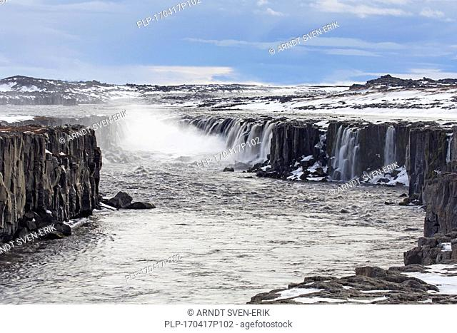 Selfoss waterfall on the river Jökulsá á Fjöllum in in the Jökulsárgljúfur canyon in winter, Northern Region in Iceland