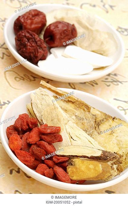 Date, Wolfberry, Angelica, Szechwan Lovage Rhizome, White Paeony Root