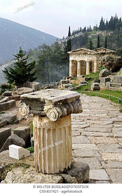 Delphi,Delphes,Athenian Treasury,Mount Parnassos,Greece