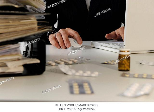 File folders, tablets, office, symbolic image for burnout, stress on the job