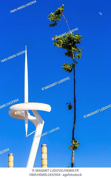 Spain, Catalonia, Barcelona, Montjuic Olympic park telecommunications tower (Torre Telefonica de Montjuïc) designed by architect Santiago Calatrava for...
