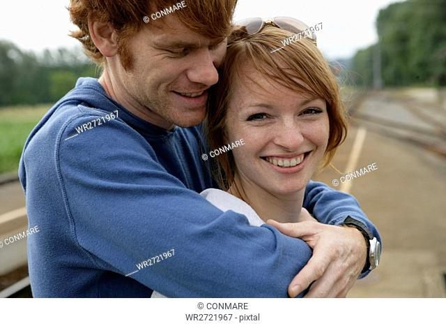 young couple, portrait, laughing, couple, 20-25 ye