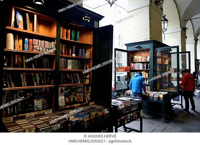 Italy, Piedmont, Turin, booksellers of Via Roma
